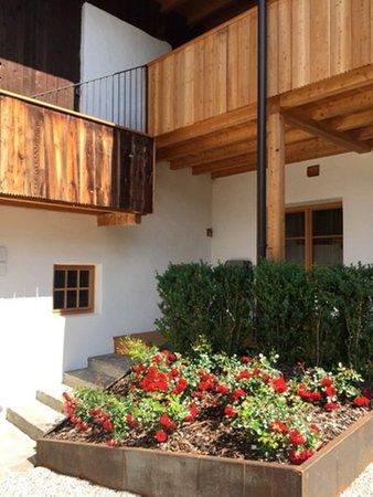Foto esterno in estate Appartamenti Mitterhof 1544