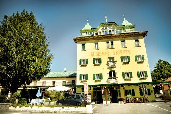 Foto estiva di presentazione Albergo Trieste