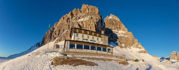 Foto invernale di presentazione Rifugio Auronzo