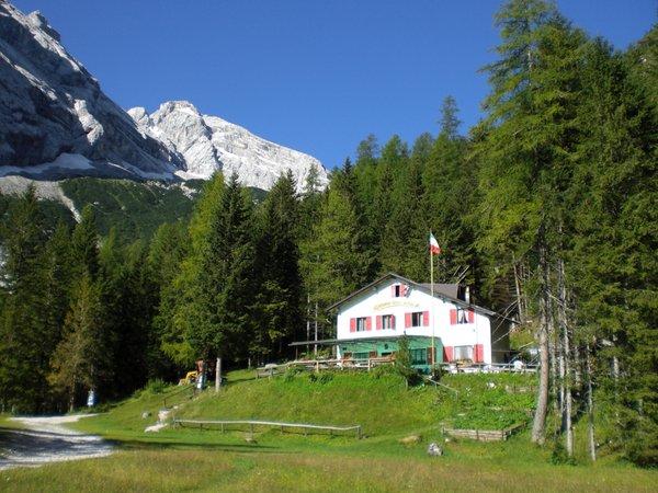Foto Außenansicht im Sommer Capanna degli Alpini