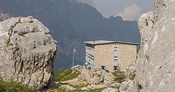 Foto estiva di presentazione Rifugio Pietro Galassi