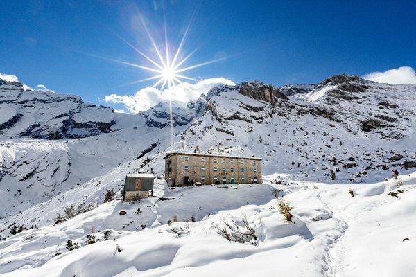 Foto invernale di presentazione Rifugio Pietro Galassi