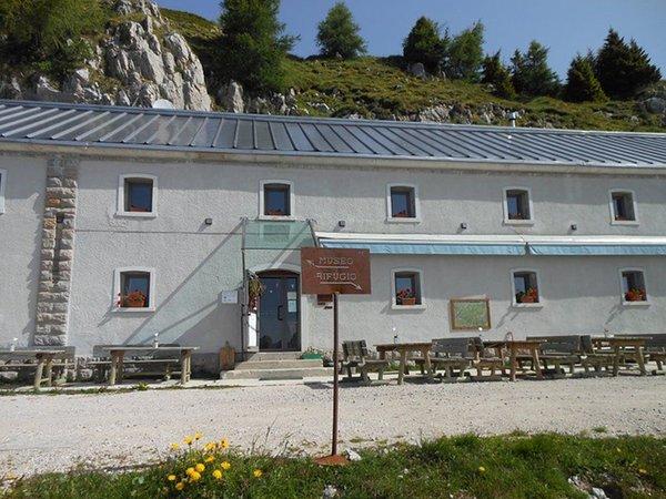 Foto estiva di presentazione Rifugio Dolomites - Monte Rite