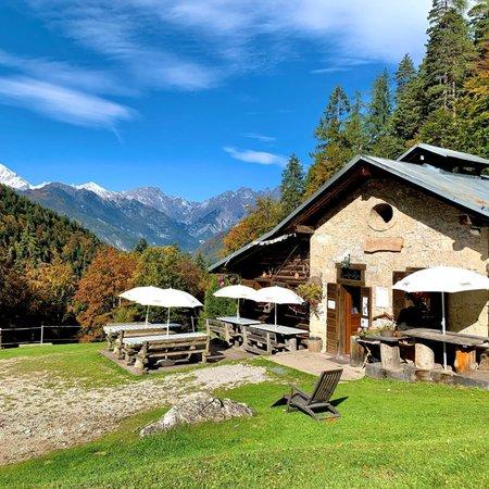 Sommer Präsentationsbild Berghütte Cercenà