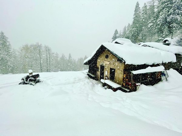 Winter Präsentationsbild Berghütte Cercenà