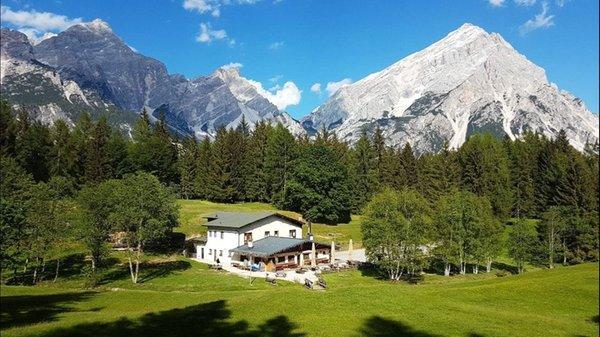 Foto estiva di presentazione Rifugio Alpe di Senes