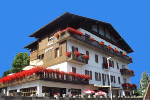 Foto estiva di presentazione Hotel Giardino