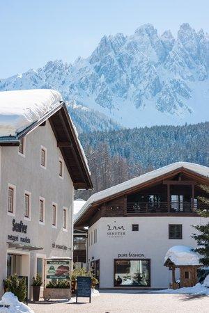 Foto esterno in inverno Zin Senfter