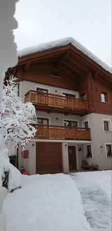 Foto esterno in inverno Casa Al Rin