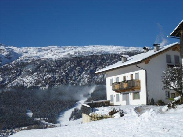Foto invernale di presentazione Appartamenti in agriturismo Lüch Rinna
