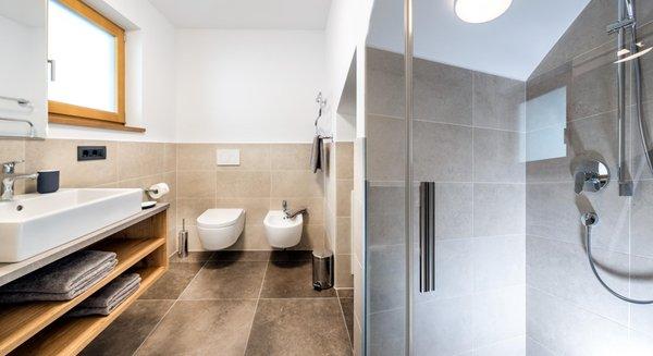 Foto del bagno Appartamenti in agriturismo Putzerhof