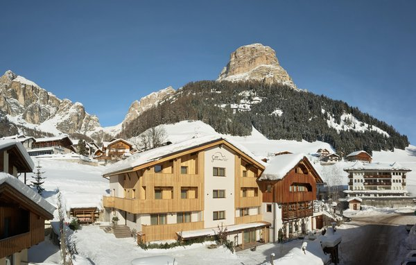 Foto invernale di presentazione Residence Settsass