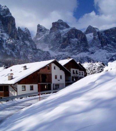 Foto Außenansicht im Winter Ciasa Dorigo