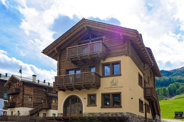 Foto estiva di presentazione Appartamenti Livigno Wooden House