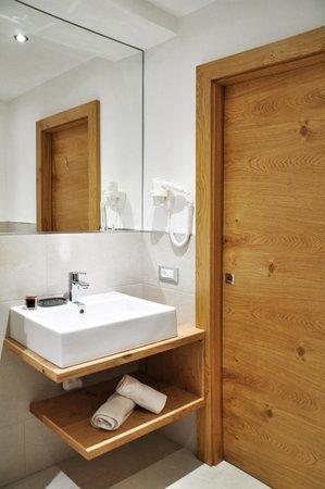 Pensione appartamenti rungg badia pedraces alta badia - Grandezza piatto doccia ...