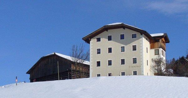 Foto invernale di presentazione B&B + Appartamenti Lüch Cianins