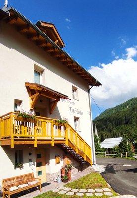 Foto esterno in estate Daberto Fabiola