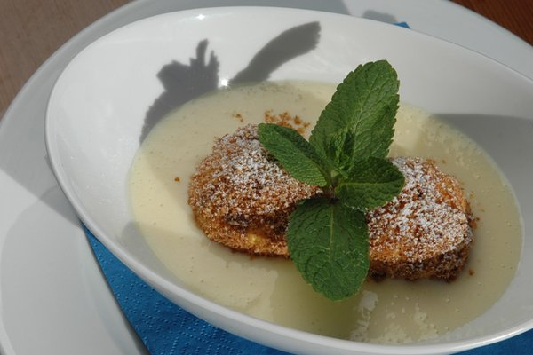 The restaurant San Vigilio / St. Vigil Almhof Call - Belvita & Wellness
