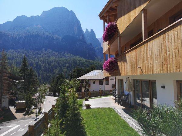 Foto estiva di presentazione Appartamenti Sass Blanch