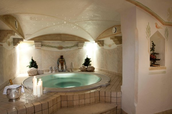 Photo of the wellness area Al Sonnenhof Romantico Event-Hotel
