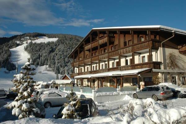 Foto invernale di presentazione Hotel Condor