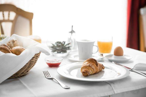 The breakfast Corona - La Magia dei Cristalli - Hotel 4 stars
