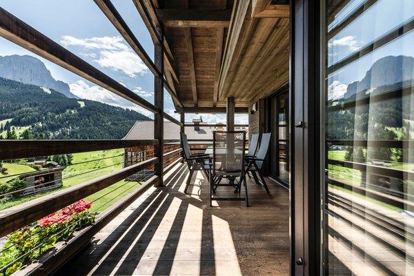 Photo of the balcony Cadepunt Lodge
