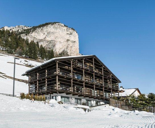 Foto invernale di presentazione Appartamenti Cadepunt Lodge