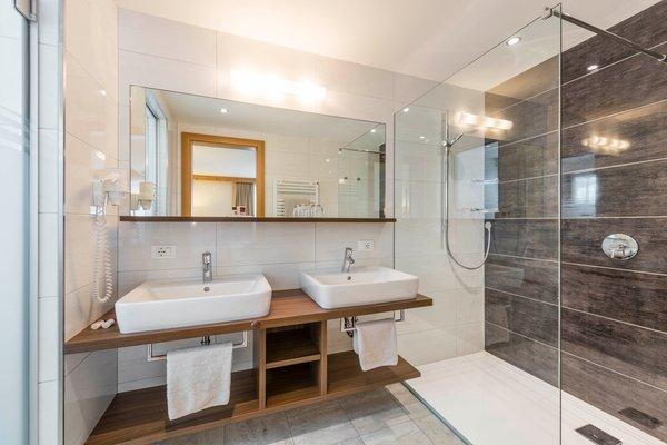 Foto del bagno Hotel La Stöa