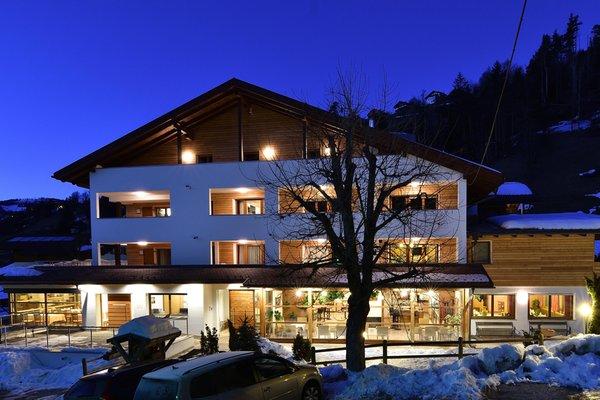 Foto invernale di presentazione Hotel Monte Paraccia