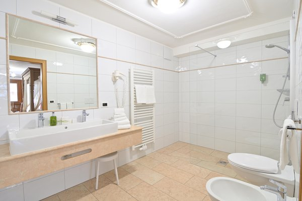 Photo of the bathroom Hotel Monte Paraccia