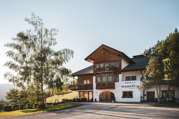 Foto estiva di presentazione Hotel Majarei
