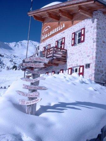 Winter Präsentationsbild Hütten-Hotel Ücia Lavarella