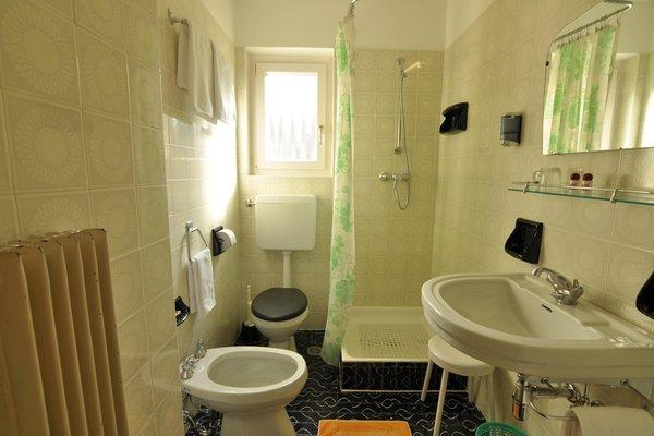 Photo of the bathroom B&B (Garni) Pe de Munt