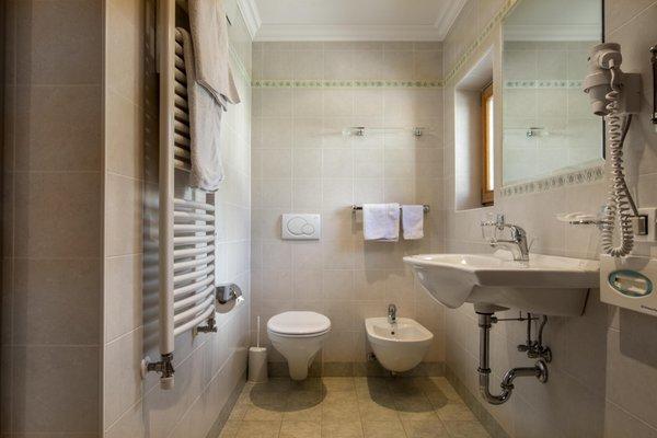 Photo of the bathroom Bed & Breakfast Ciasa Les Nainores