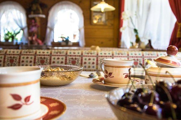 The breakfast Ciasa Les Nainores - Bed & Breakfast 3 suns