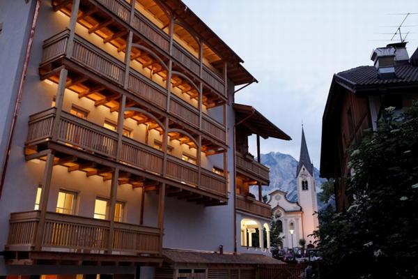 Foto esterno in estate Christophorus Mountain Residence