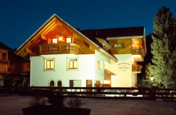 Foto Außenansicht im Winter Villa Toni