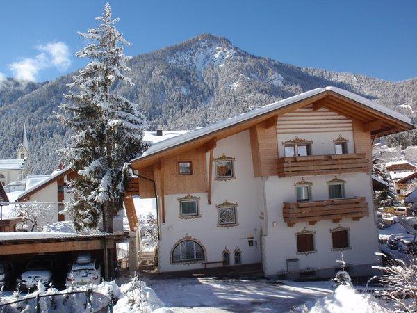 Foto invernale di presentazione Appartamenti Ciasa Albert