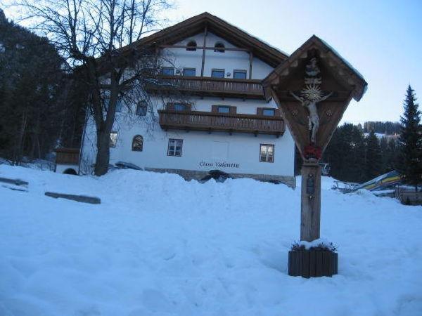 Foto invernale di presentazione Ciasa Valentin - Appartamenti 3 soli