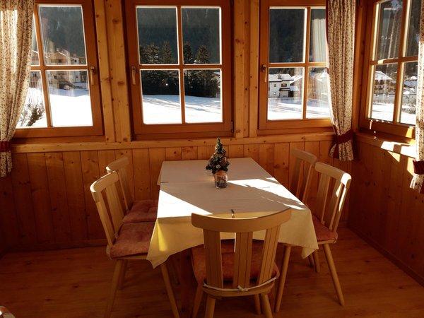 Der Wohnraum Ciasa Burcia - Ferienwohnungen 3 Sonnen