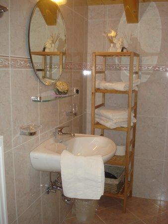 Foto del bagno Appartamenti in agriturismo Lü de Bolser