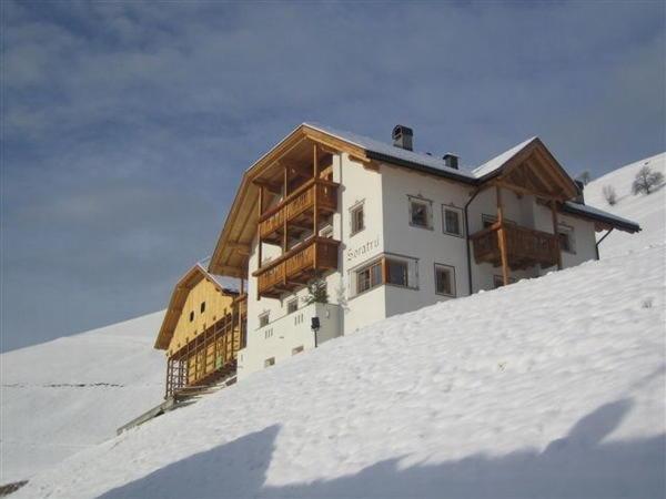 Foto invernale di presentazione Soratru - Appartamenti in agriturismo 3 fiori
