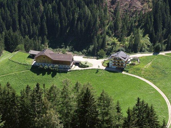 Position Farmhouse apartments Maso Corjel Rina / Welschellen (San Vigilio di Marebbe / Sankt Vigil in Enneberg)