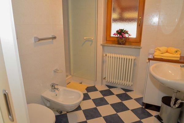 Foto del bagno Appartamenti in agriturismo Ciasa Cone da Val