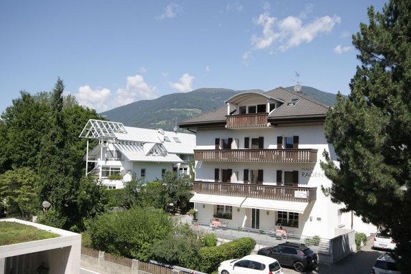 Foto estiva di presentazione Residence Haus Ragen