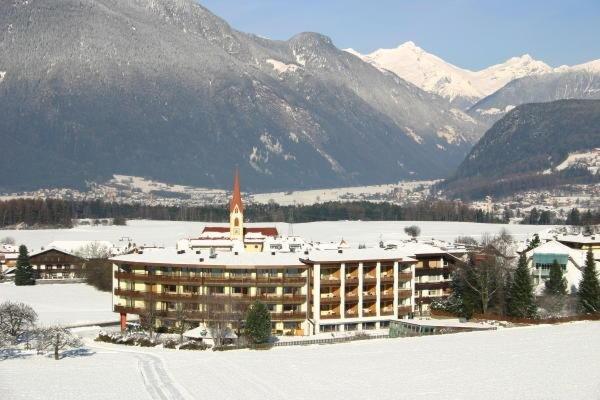 Foto invernale di presentazione Hotel Petrus