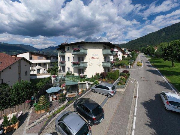 Foto estiva di presentazione Hotel Akelei