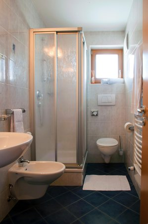 Photo of the bathroom B&B (Garni) Schorneck