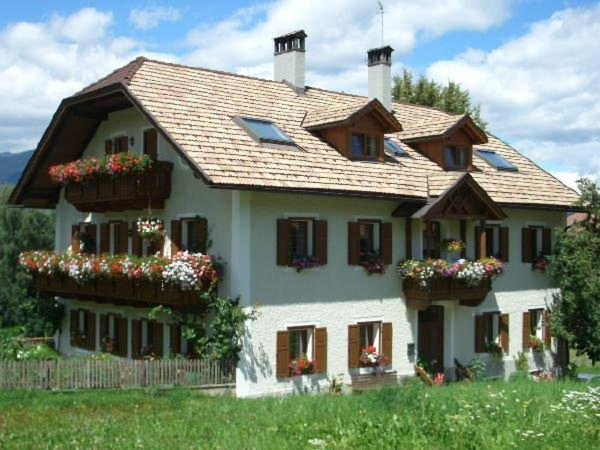 Sommer Präsentationsbild Ferienwohnungen auf dem Bauernhof Kleinflatscherhof